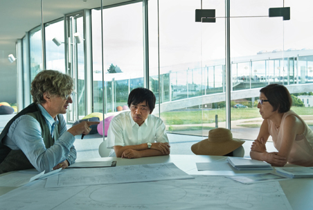 "Wim Wenders ""If Buildings Could Talk…"" (2010) / Photo (C)Donata Wenders;  from left: Wim Wenders, Ryue Nishizawa, Kazuyo Sejima (Reference image) 